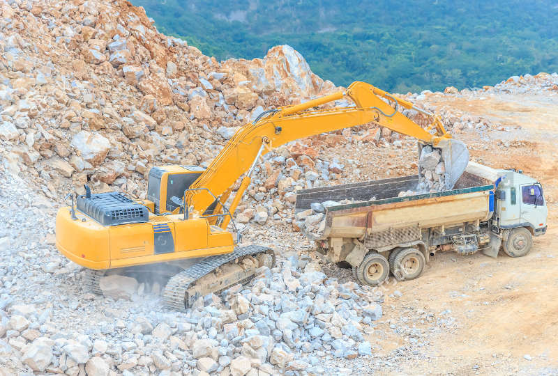 loading-into-truck-dolomite